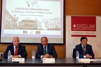 De izqda. a dcha.: Francisco Marambio, Juan Ramón de Páramo y Miguel Beltrán