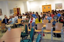 Numeroso público asistió a la conferencia de Enrique Castillo