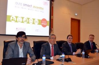 Presentación del Aula SMACT-Avanttic UCLM. De izqda. a dcha: Macario Polo, Pedro Carrión, Eduardo Fernández-Medina y Jesús García