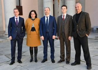 Ponentes de la primera sesión con la vicerrectora y los profesores Martín y Ladera y Forcada