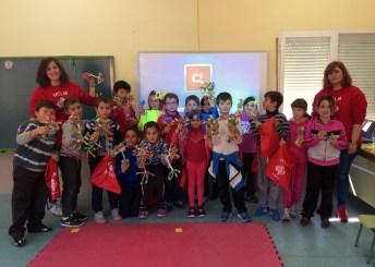 Estudiantes de la UCLM en el taller celebrado en el CEIP Garcilaso de la Vega, en Toledo