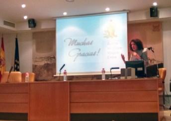 Conferencia de la profesora Emma Burgos en la Biblioteca de Castilla-La Mancha