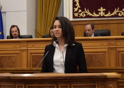María Isabel Valiente en una de sus intervenciones en las Cortes Regionales (9/03/2016)