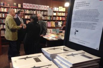 La viuda y una hija de Millares hablan Carlos Julián Martínez, representante de la editorial Genueve ediciones
