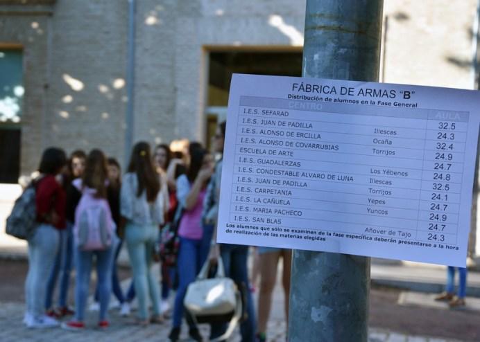 Cartel informativo sobre la distribución de alumnos en el Campus de Toledo