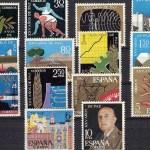 """En la imagen, sellos emitidos por correos con motivo de la campaña XXV """"Años de Paz"""""""