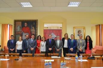 La reunión se ha producido en la sede de la UCLM, el Rectorado, en Ciudad Real