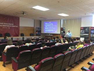 El profesor Dionysiou imparte una conferencia en la Escuela de Industriales de Ciudad Real