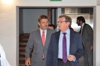El ministro de Justicia en funciones, Rafael Catalá, y el rector de la UCLM, Miguel Ángel Collado.