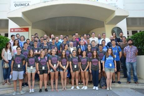 Responsables académicos y alumnos de los campus científicos de verano
