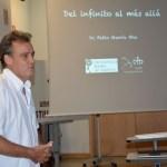 Pablo García, investigador del CERN, durante su charla