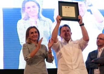 Martín Berasategui recogió el premio visiblemente emocionado