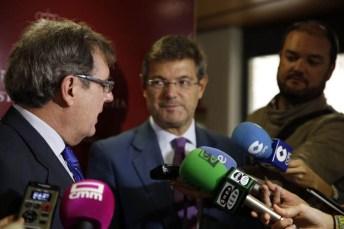 Miguel Ángel Collado y Rafael Catalá atienden a los medios