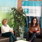 Estudiantes de Periodismo, en el set realizando entrevistas