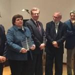 La directora del Centro de Estudios y el rector de la UCLM recogen el galardón