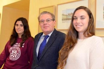 Desde la izquierda, Esther López Jareño, Miguel Ángel Collado y Clara Pina