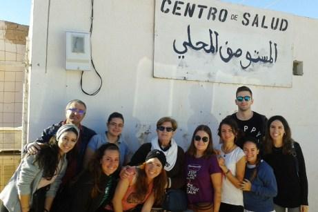 El grupo de la UCLM, en el centro de salud de Smara