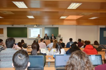 La Cátedra se presentó en el aula Iván Trujillo