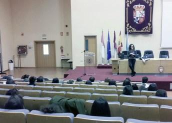 Una de las conferencias celebradas en la sesión de mañana