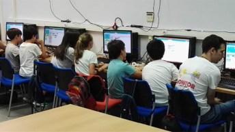 Taller de robótica y programación en las Escuelas de Verano de la UCLM.