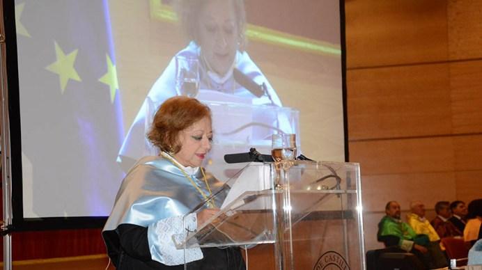 Acto de investidura como doctora 'honoris causa' de Cristina García Rodero.