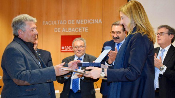 Entrega de reconocimientos © Gabinete de Comunicación UCLM