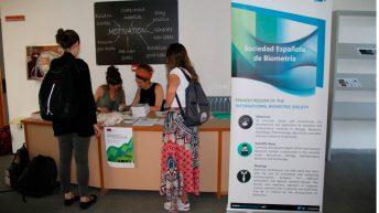 Entrega de documentación a los participantes © Gabinete de Comunicación UCLM