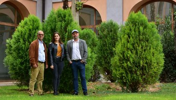 Abderrazzak Douhal, Elena Caballero y Boiko Cohen. © Gabinete de Comunicación UCLM