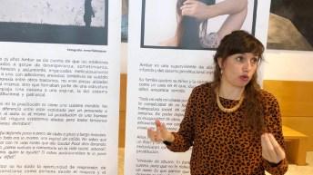 La técnica de Voluntariado y Movilización de la organización, Sarah Martínez Martín; la directora provincial de Igualdad, Manuela Nieto; y la directora académica del Vicerrectorado de Docencia, Ana Sanz © Gabinete de Comunicación UCLM