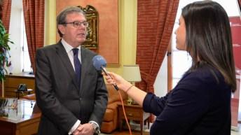 TVE entrevista al rector. © Gabinete de Comunicación UCLM.