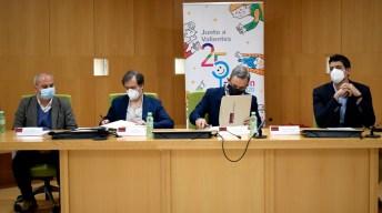 Firma del convenio. © Gabinete de Comunicación UCLM