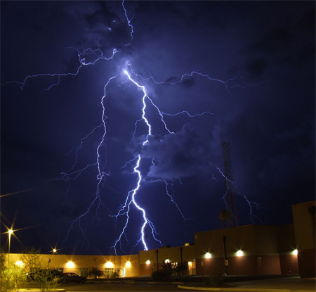 Photos of Lightning - Extreme Ways