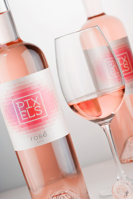 pixels wine packaging