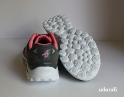 breast cancer awareness shoe