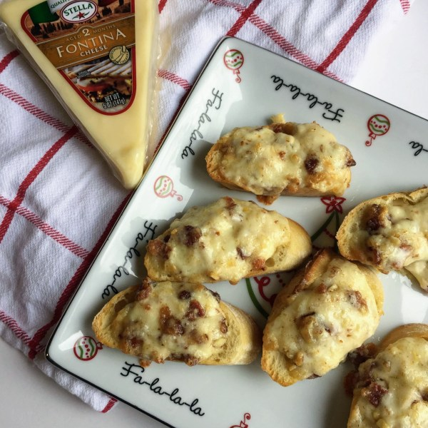 Bacon crostini Holiday Cheese Recipes | udandi.com