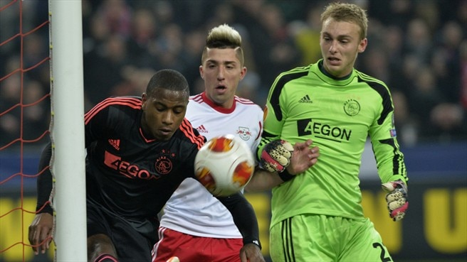 Salzburg turn on style to see off Ajax
