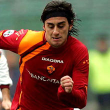 Roma's Alberto Aquilani could be out for two months