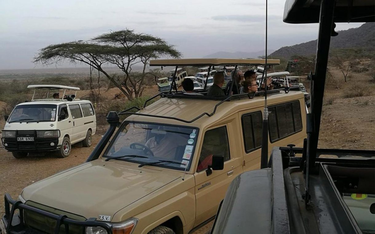 land cruiser - safari cars for hire and rent in Uganda