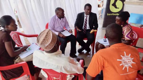 Timothy Kakuru leads a workshop with BFL beneficiaries. (BarefootLaw Photo)