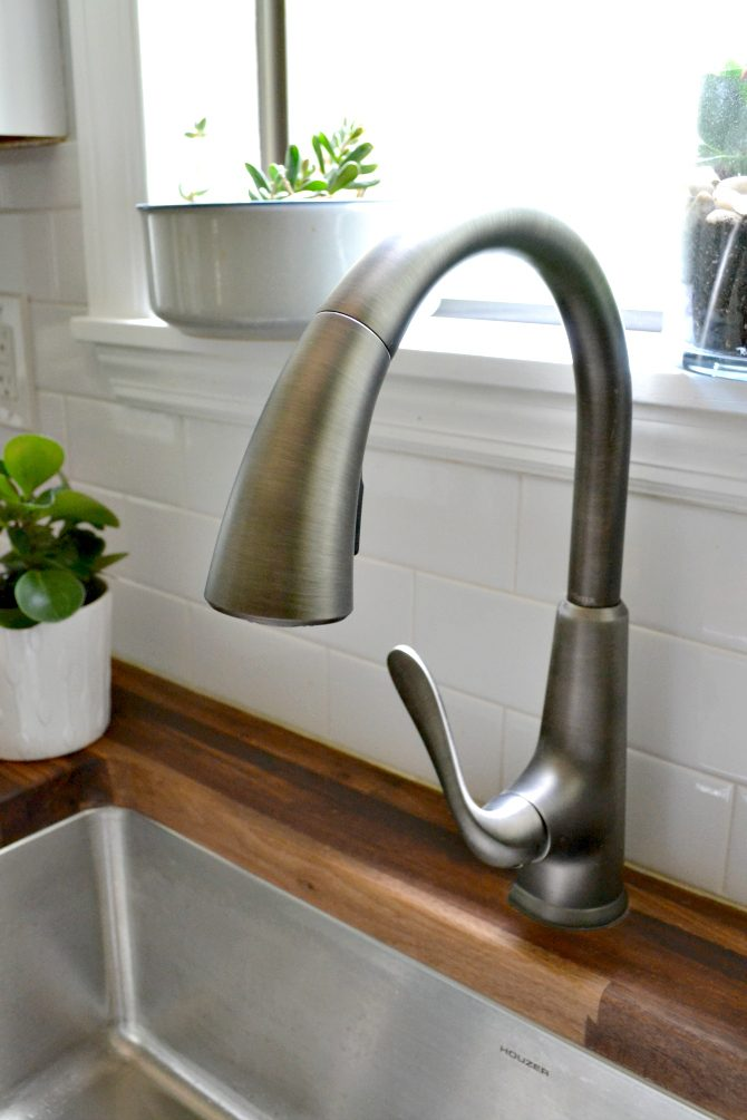 kitchen details the faucet ugly