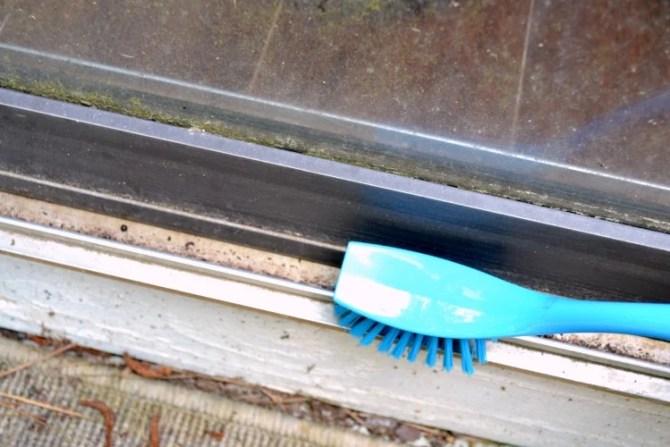 scrub sliding door track closed