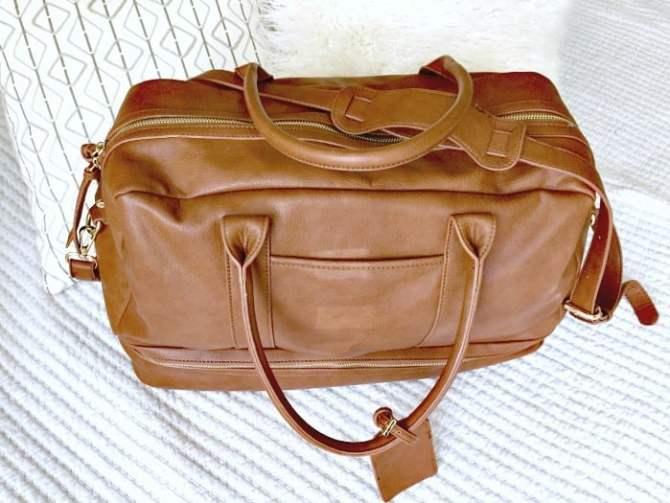 weekender bag for overnight travel