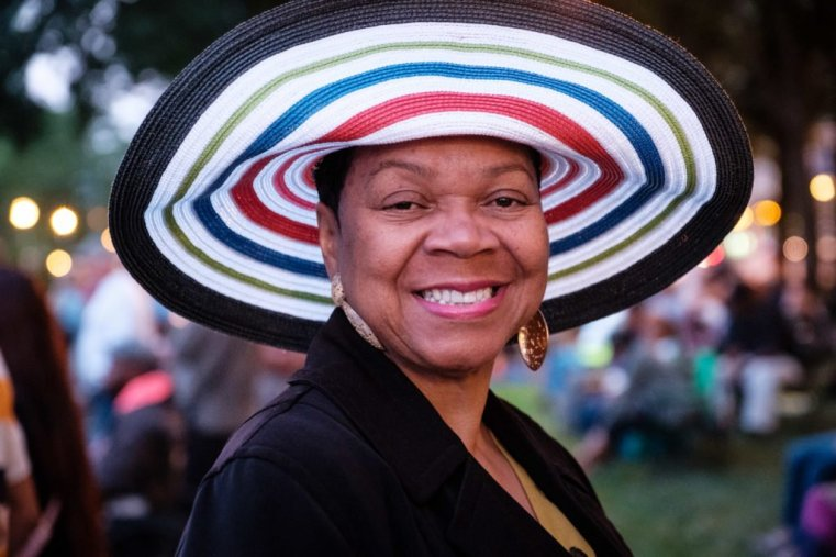 Smiling lady in a hat, Chicago