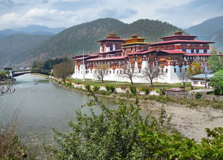 Punakha Dzong and river confluence