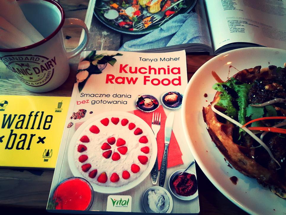 """""""Kuchnia Raw Food"""" – recenzja"""
