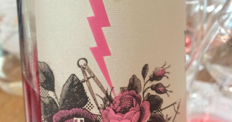Wina różowe na lato – niespodziewany atak różu