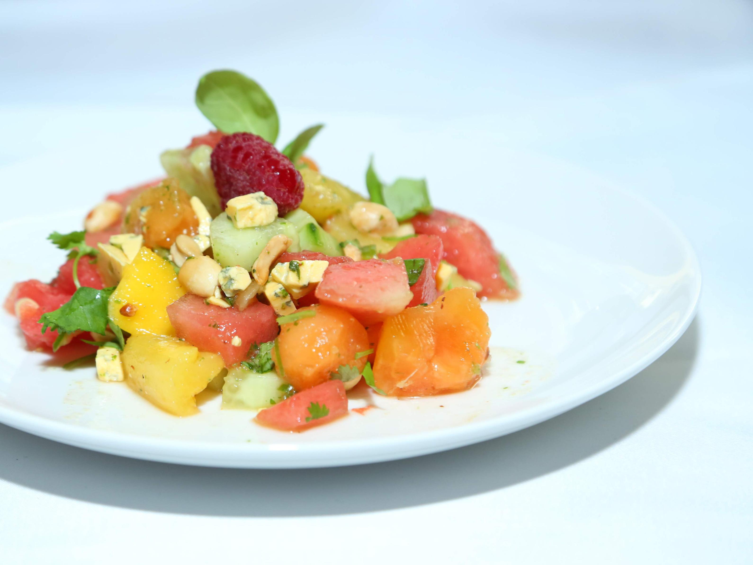Sałatka z arbuzem i serem pleśniowym z warsztatów z gwiazdą
