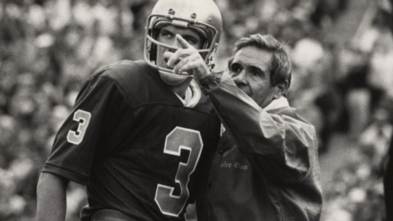 Flashback Joe Montana Rallies Notre Dame Over Unc In 1975 Uhnd Com