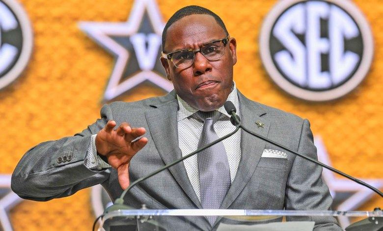 Vanderbilt head coach Derek Mason