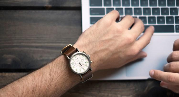 622eb0c25cebb0 Uhren online kaufen: Worauf man beim Uhrenkauf im Internet achten sollte